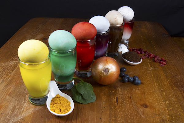 Natural Dyes for Coloring Your Eggs!